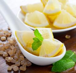 Zitrone, Zucker und Minze