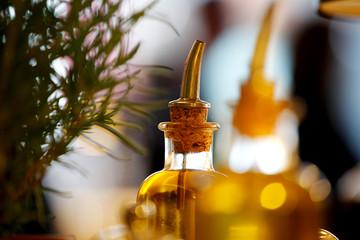 Olivenöl im mediterranen Ambiente