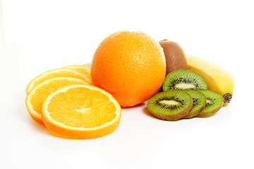 Spoed Foto op Canvas Plakjes fruit Fruchtmix - Orange, Banane, Kiwi- und Orangen-Scheiben