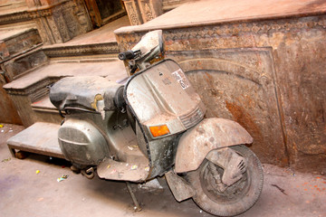 dusty motorcycle in india