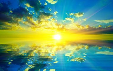 Papiers peints Jaune Sunset over water