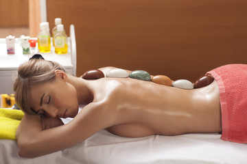 Hot Mineral Stone Treatment at Spa Salon