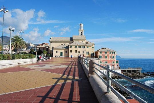 Genova, la fine di Corso Italia e la chiesa di Boccadasse