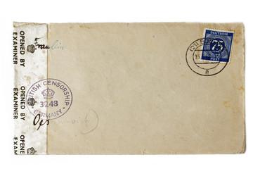 altes Briefkuvert mit gestempelter Marke