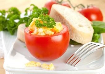 Tomate mit Ei