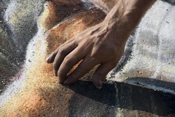 pavement-artist-hand