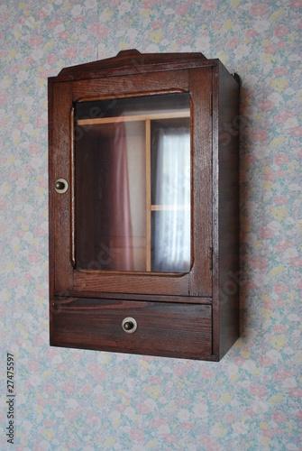 petite vitrine murale photo libre de droits sur la banque d 39 images image 27475597. Black Bedroom Furniture Sets. Home Design Ideas