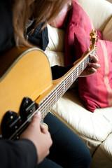 Gitarre spielen