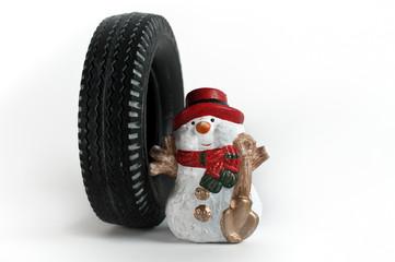 Winterreifen mit Schneemann
