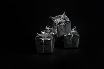 Geschenke im Kerzenschein