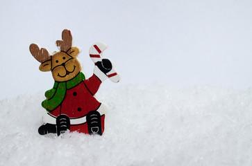 Fröhlicher Weihnachtselch im Schnee III