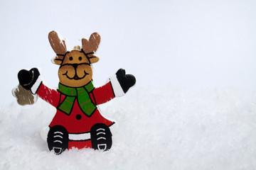 Fröhlicher Weihnachtselch im Schnee IV