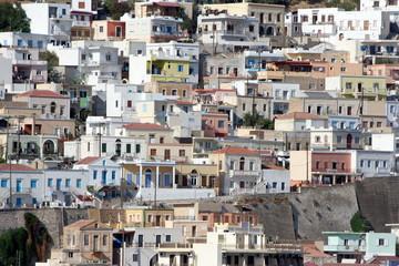 case nella città di Kalymnos, Grecia