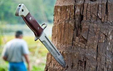knife hiking