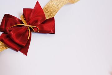 fiocco per pacchi regalo porpora rosso e oro