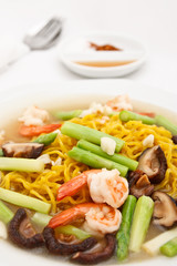 Chinese style fry noodle with vegetables