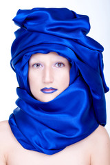 middle eastern woman with veil