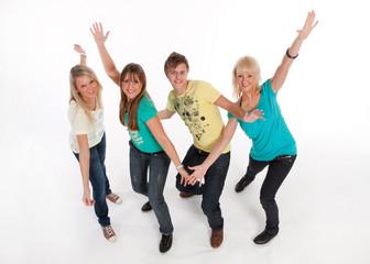 Teenager lachend tanzen