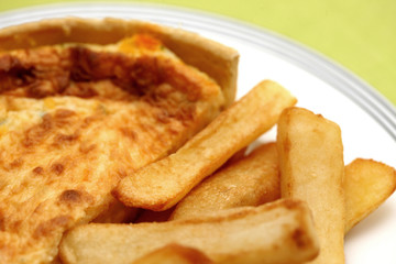Cheddar Cheese and Onion Quiche with Chips