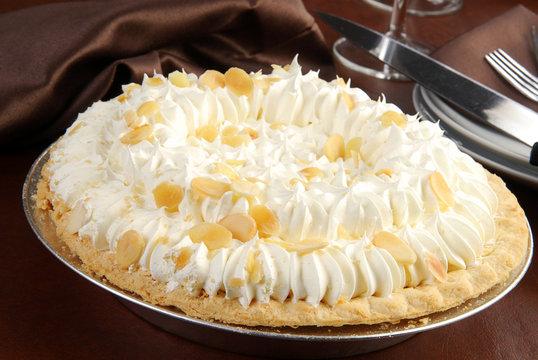 Elegant banana cream pie