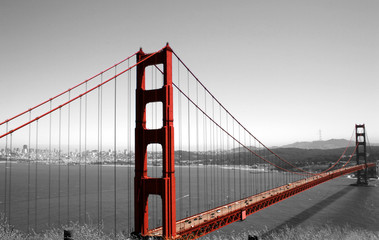 Spoed Fotobehang Rood, zwart, wit Golden Gate Bridge