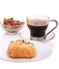 Bun and black coffee