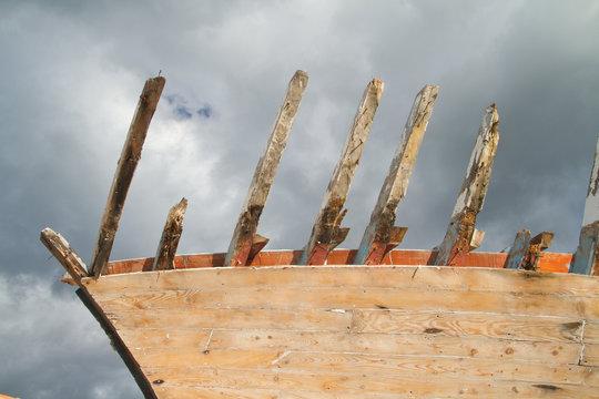 vieux bateau en restauration