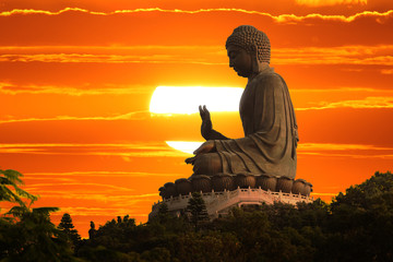 Keuken foto achterwand China Buddha statue at sunset