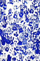 Handabdrücke blau
