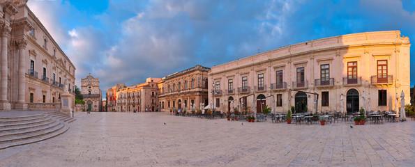 Piazza del Duomo, Syracuse, Sicily at sunrise - Panorama Fototapete