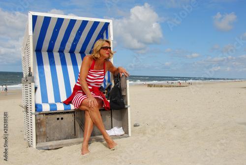 Nackt frau strandkorb bild images 633