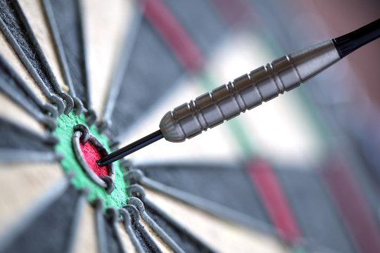 Darts in bull's-eye