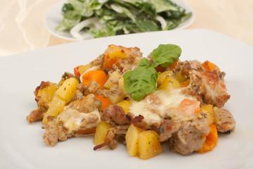 Hackfleisch-Kürbis-Kartoffel Auflauf