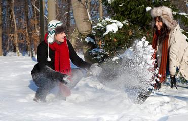 beí der schneeballschlacht spaß