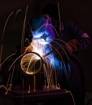 MIG welding steel pipe