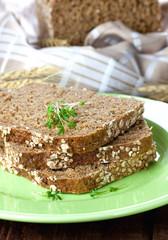 drei Scheiben Brot