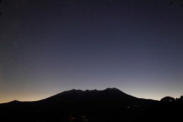 御嶽と星空