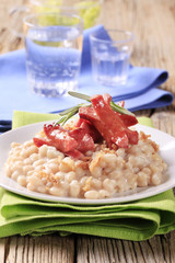 White beans and sausages