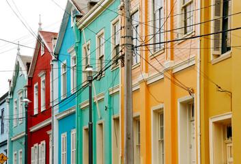 Häuserzeile in Valparaiso, Chile