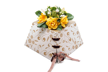 Blumen auf Geschenkkarton