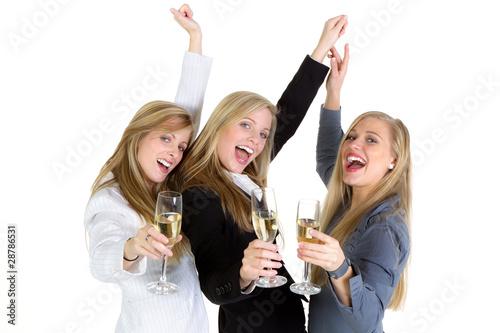 Frauen beim feiern kennenlernen
