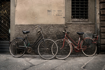 Fotomurales - Italian old-style bicycles in Lucca, Tuscany