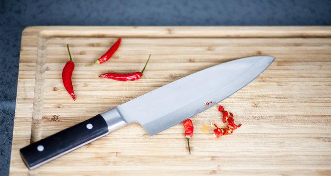 scharfes Küchenmesser