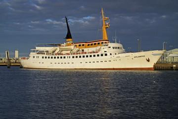 Passagierschiff Atlantis in Cuxhaven