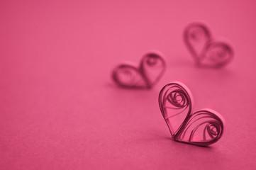 cuori di carta rosa