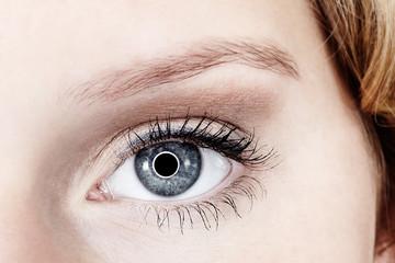 Junge Frau Auge