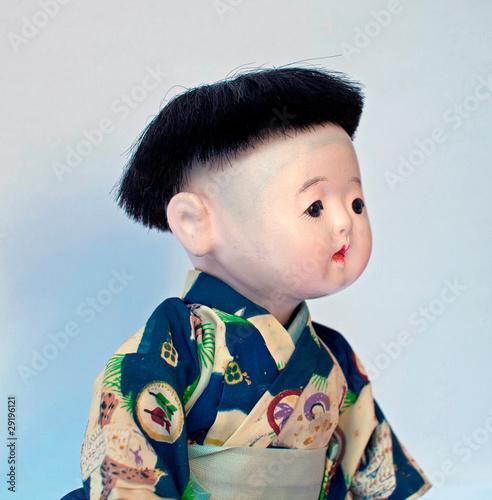 petit gar on japonais photo libre de droits sur la banque d 39 images image 29196121. Black Bedroom Furniture Sets. Home Design Ideas