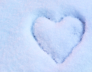Wall Mural - Heart on snow