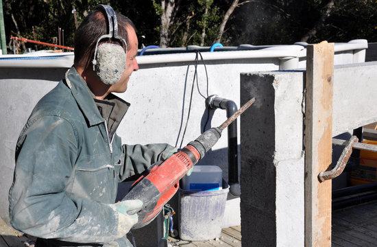 construction d'un mur perforateur burineur