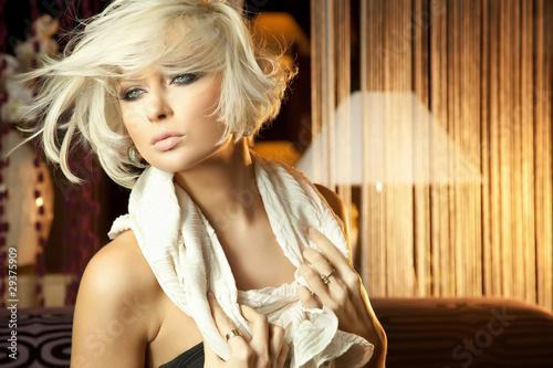 Фото голой зрелой блондинки  Красивые голые девушки